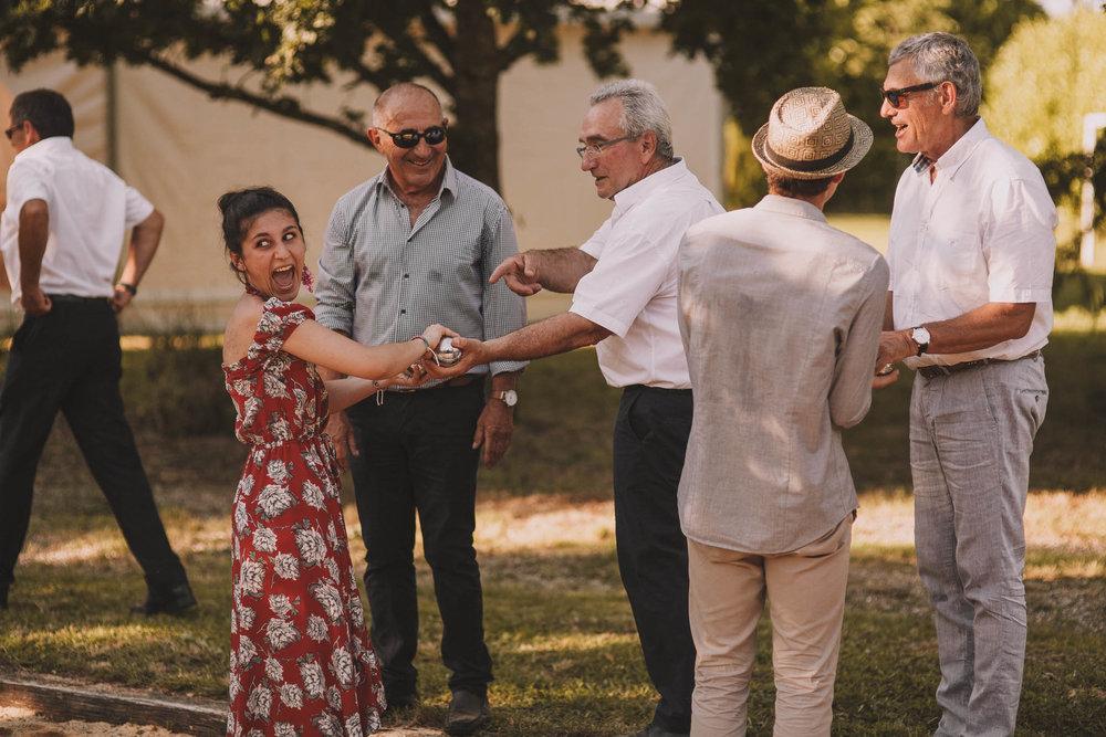 France-wedding-photographer-jeremy-boyer-dordogne-aquitaine-perigord-ceremonie-laique-86.jpg