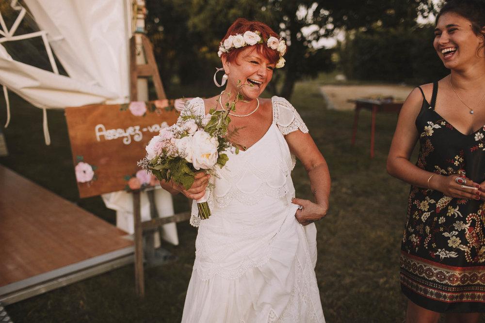 France-wedding-photographer-jeremy-boyer-dordogne-aquitaine-perigord-ceremonie-laique-94.jpg