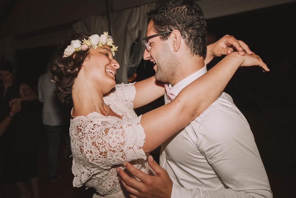 France-wedding-photographer-jeremy-boyer-dordogne-aquitaine-perigord-ceremonie-laique-104.jpg