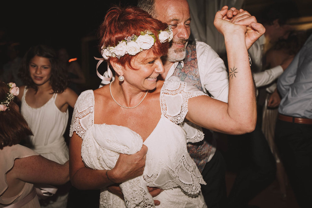 France-wedding-photographer-jeremy-boyer-dordogne-aquitaine-perigord-ceremonie-laique-105.jpg