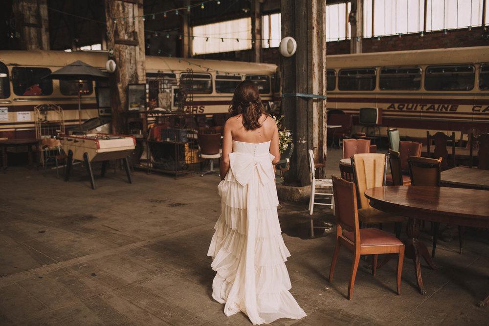 photographe-mariage-bordeaux-industriel-industrial-wedding-garage-moderne-france-jeremy-boyer-10.jpg
