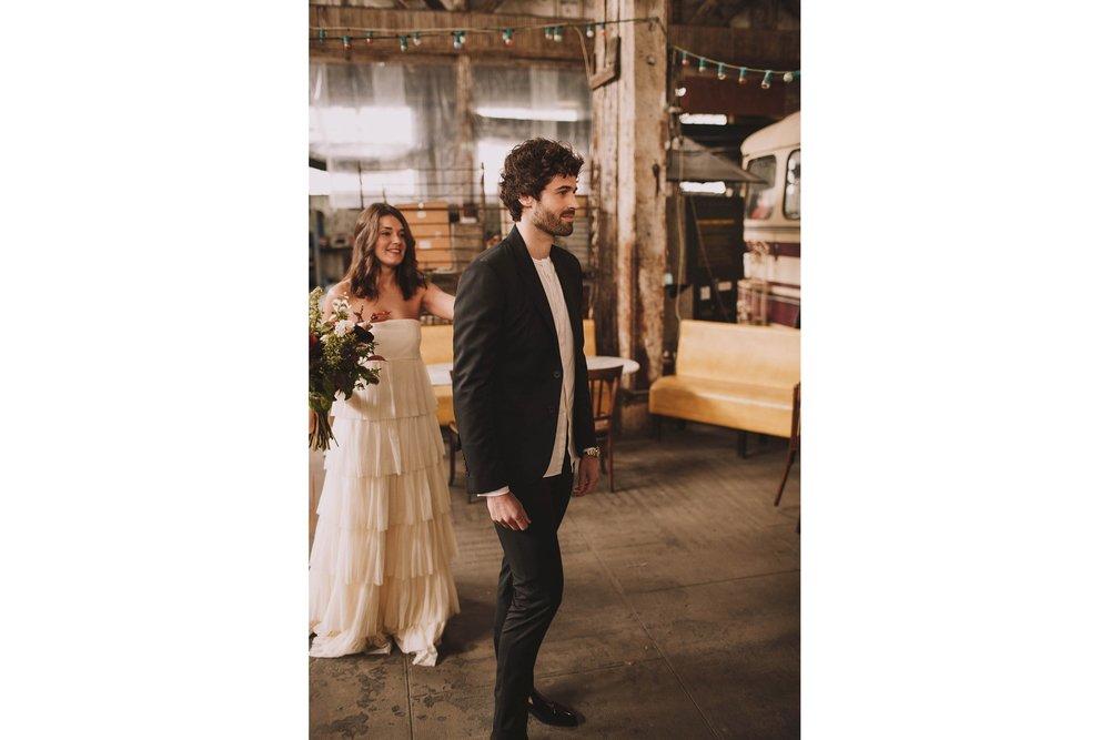 photographe-mariage-bordeaux-industriel-industrial-wedding-garage-moderne-france-jeremy-boyer-12.jpg
