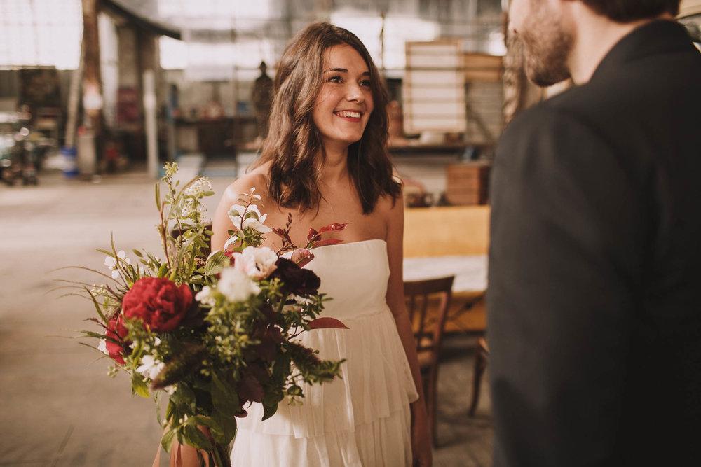 photographe-mariage-bordeaux-industriel-industrial-wedding-garage-moderne-france-jeremy-boyer-13.jpg