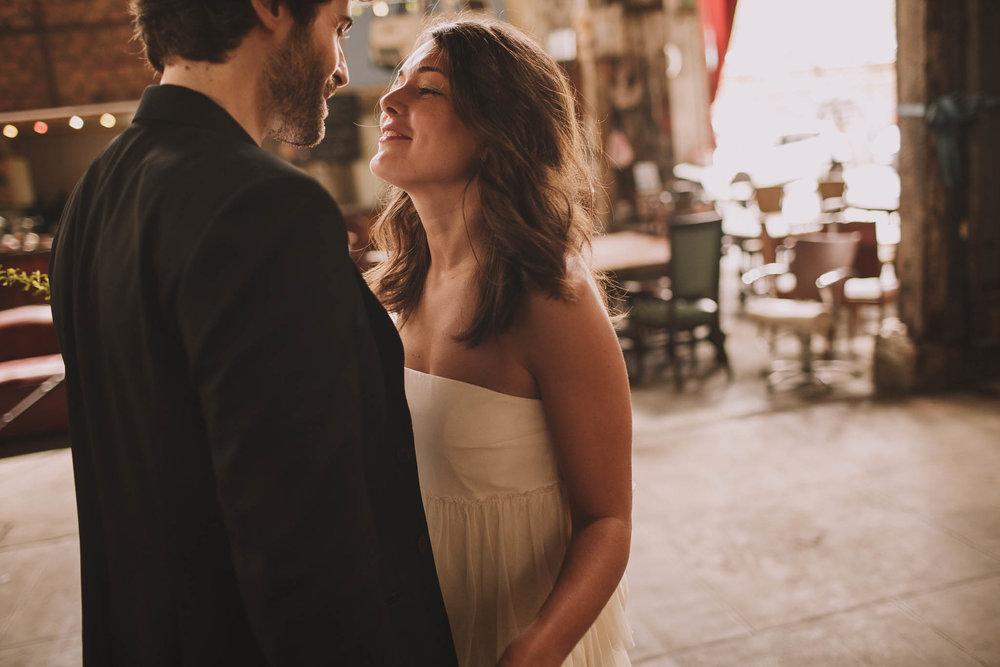 photographe-mariage-bordeaux-industriel-industrial-wedding-garage-moderne-france-jeremy-boyer-15.jpg