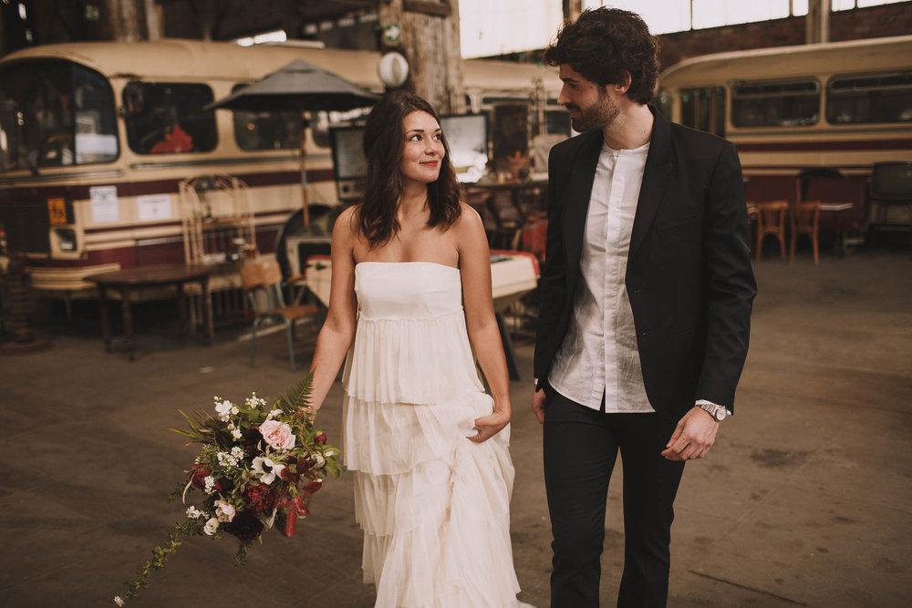 photographe-mariage-bordeaux-industriel-industrial-wedding-garage-moderne-france-jeremy-boyer-25.jpg