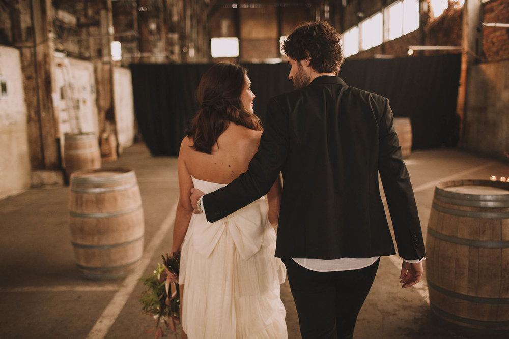 photographe-mariage-bordeaux-industriel-industrial-wedding-garage-moderne-france-jeremy-boyer-50.jpg