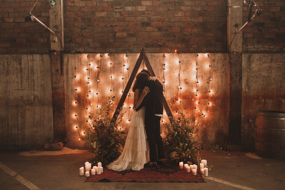 photographe-mariage-bordeaux-industriel-industrial-wedding-garage-moderne-france-jeremy-boyer-76.jpg