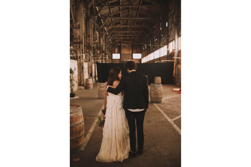 photographe-mariage-bordeaux-industriel-industrial-wedding-garage-moderne-france-jeremy-boyer-49.jpg