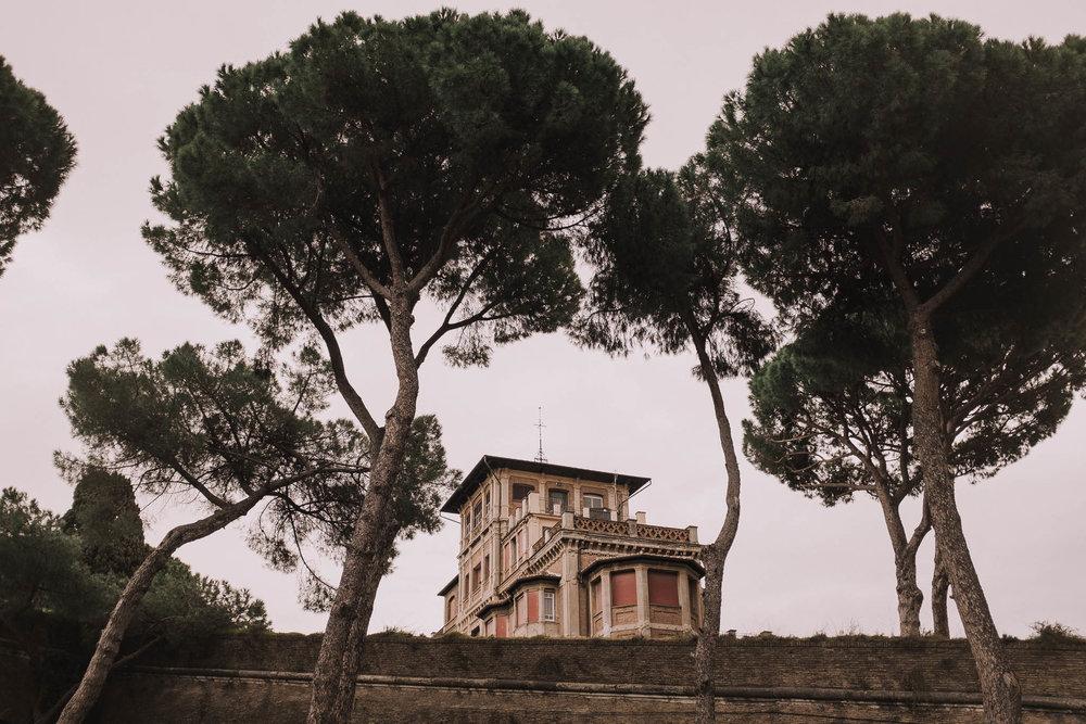 Roma-italia-wedding-photographer-jeremy-boyer-destination-couple-engagement-session-amalfi-positano-1-1.jpg