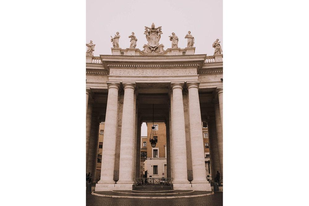 Roma-italia-wedding-photographer-jeremy-boyer-destination-couple-engagement-session-amalfi-positano-1-6.jpg