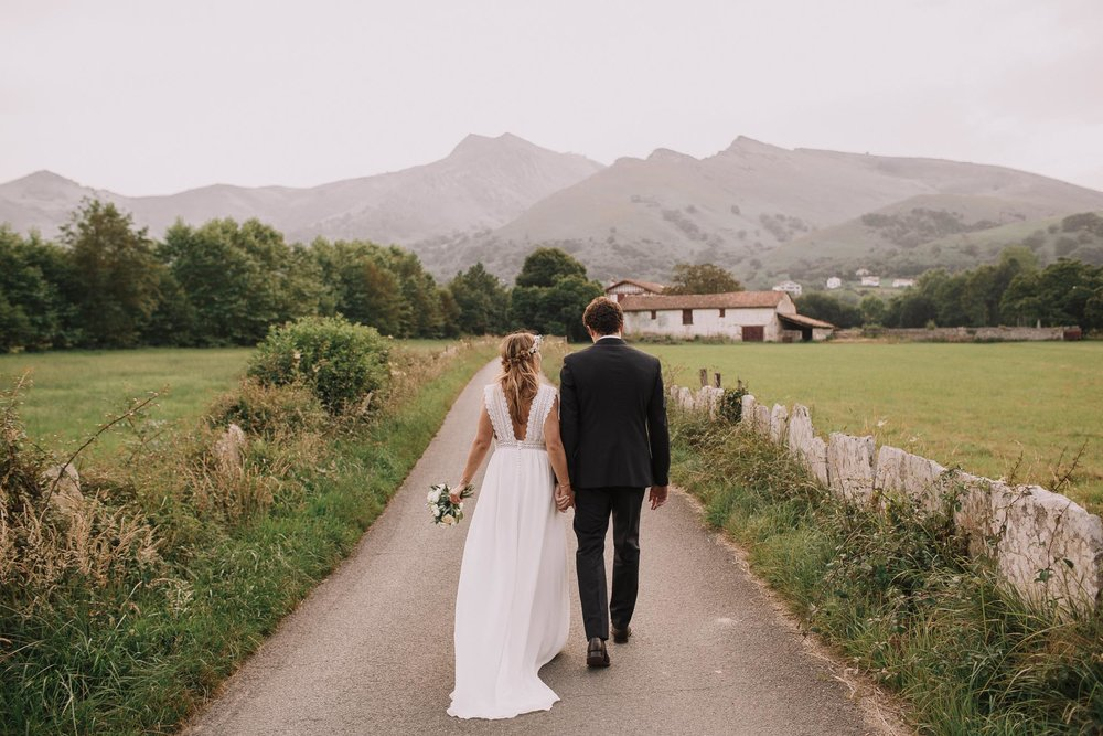 Photographe-mariage-bordeaux-jeremy-boyer-pays-basque-ihartze-artea-sare-robe-eleonore-pauc-couple-amour-117.jpg