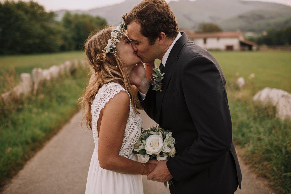 Photographe-mariage-bordeaux-jeremy-boyer-pays-basque-ihartze-artea-sare-robe-eleonore-pauc-couple-amour-121.jpg