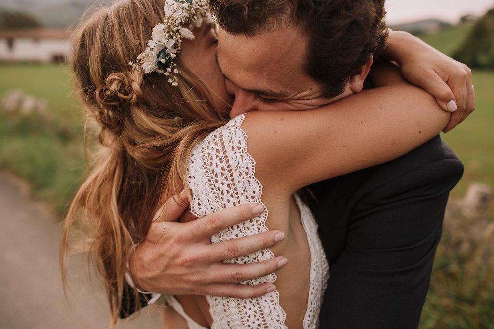 Photographe-mariage-bordeaux-jeremy-boyer-pays-basque-ihartze-artea-sare-robe-eleonore-pauc-couple-amour-124.jpg