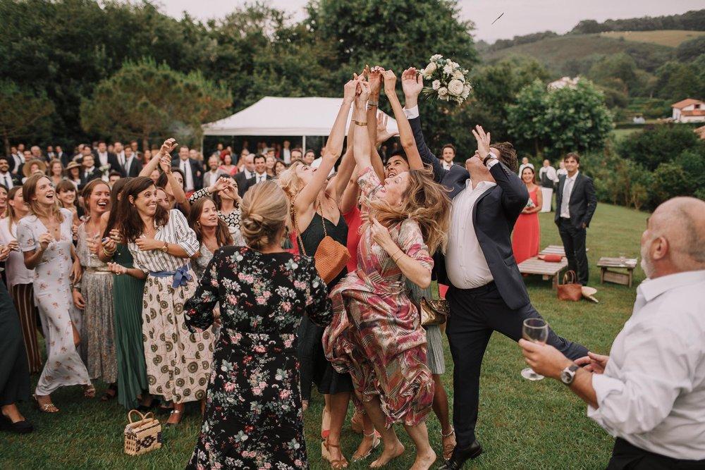 Photographe-mariage-bordeaux-jeremy-boyer-pays-basque-ihartze-artea-sare-robe-eleonore-pauc-couple-amour-137.jpg
