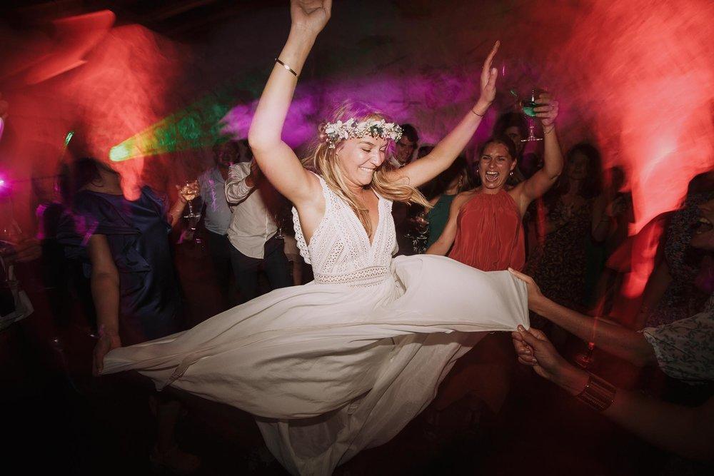 Photographe-mariage-bordeaux-jeremy-boyer-pays-basque-ihartze-artea-sare-robe-eleonore-pauc-couple-amour-187.jpg
