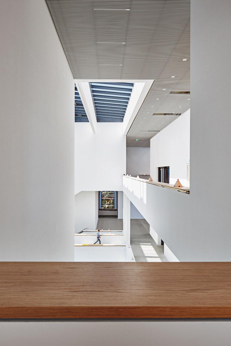 Blick in das Atrium, Ebene 1  2017–08–07