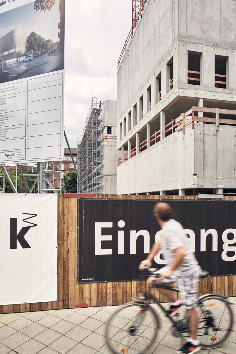 Vorderseite, Ecke Tattersallstraße  2016–06–16