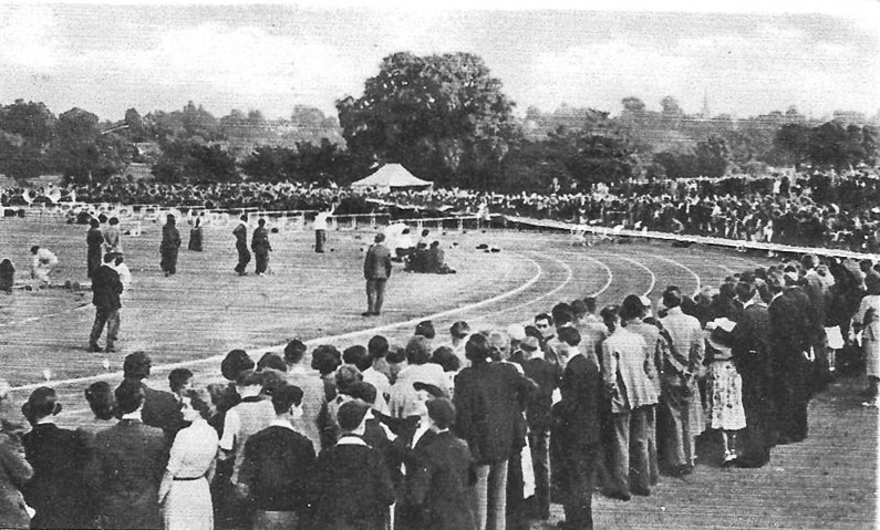 The new Wimbledon Park track – what crowds!