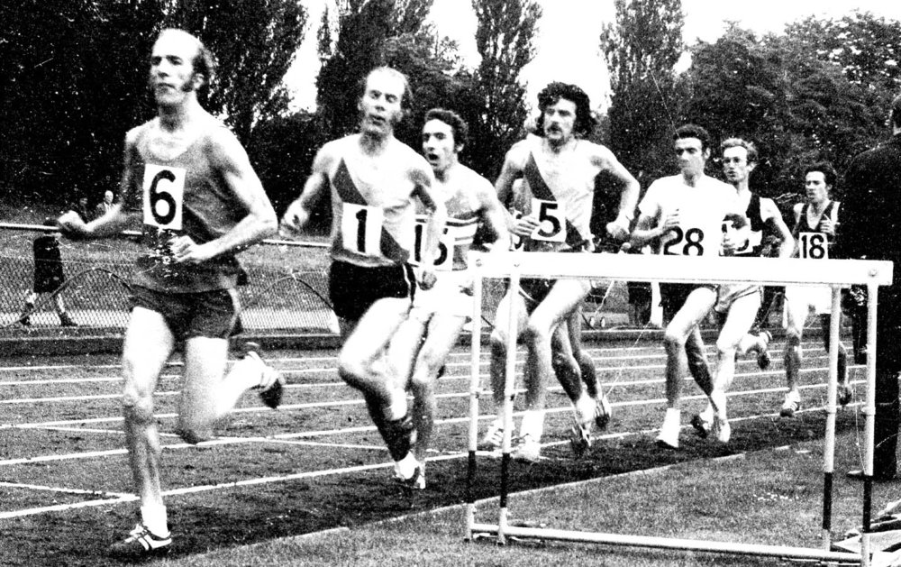 Bob & D.Holt etc.Surrey 3mile champs in 70sSHELIACOPY.jpg