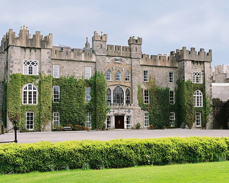 Clongowes Wood College,  renowned Irish Boys Boarding School, often referred to as the Eton of Ireland, it has a 200 acre farm, a golf course and a new heated indoor swimming pool.7 Day Boarding only.