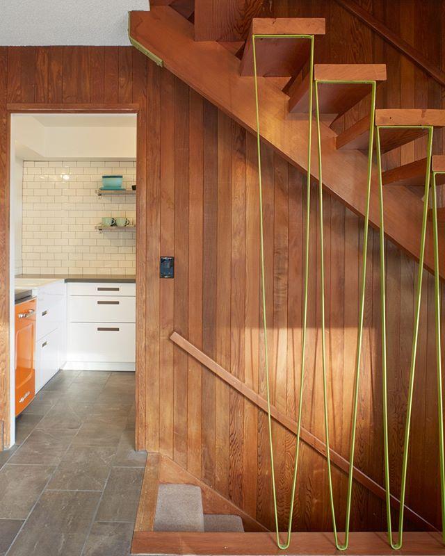 #themodernaframe 📷@aframestudio . . . . . #aframestudio #cottage #aframe #modernaframe #modernaframebook #themodernaframebook #architecturalphotography #cabin #chalet #cabinliving #tinyhouse #themodernaframe #modernaframe #modernaframebook #aframe #interiordesign #interiorphotography #residentialdesign #aframedaily #moderncabin