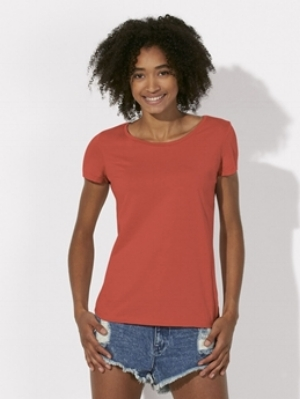 Stella Loves Organic Scoop Neck T-shirt  100% Organic Ring-spun Combed Cotton 120g Medium Fit  More details >