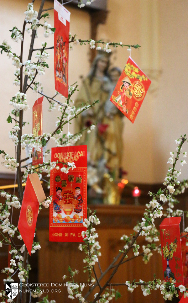 Red Envelope Tree IMG_7062.jpg