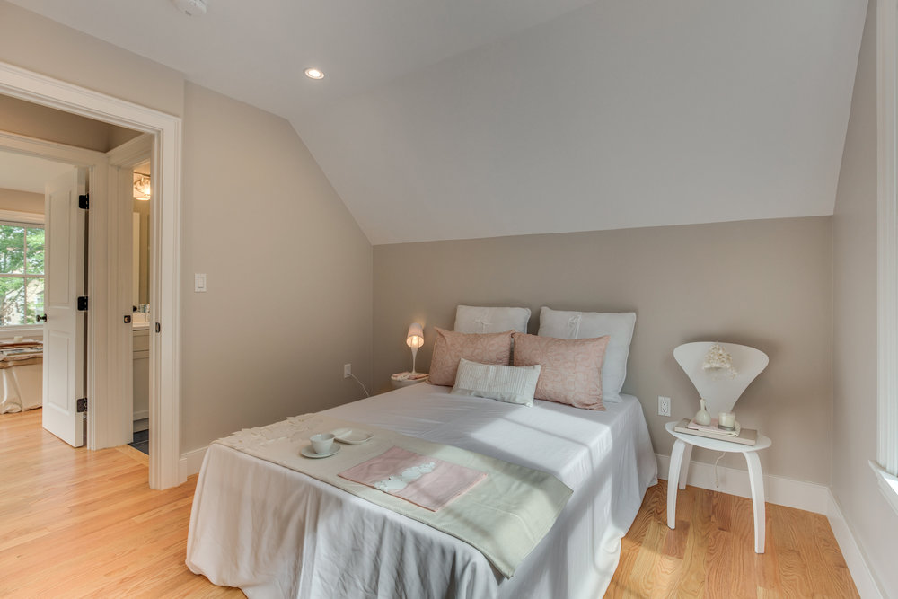 23_Bedroom2-2.jpg