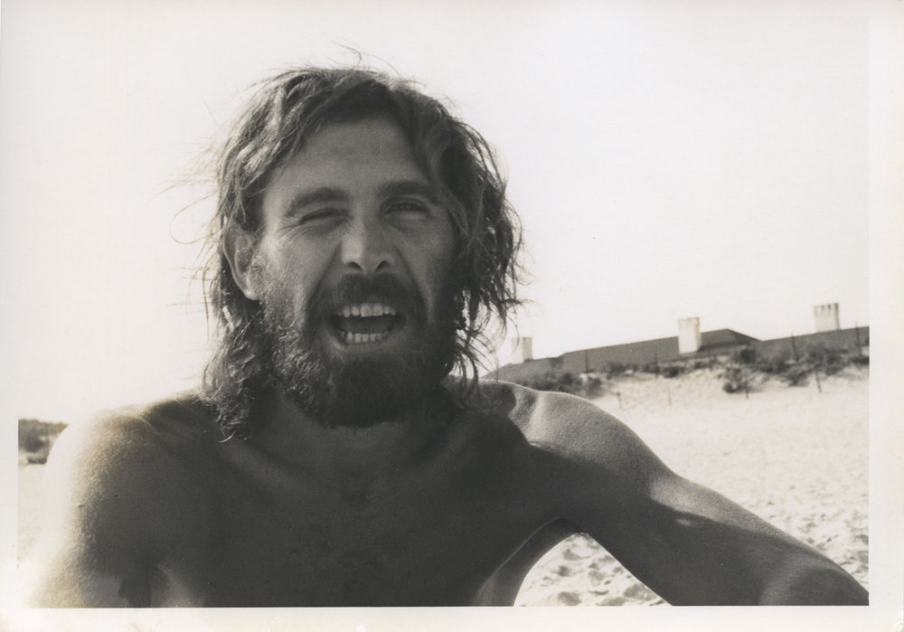 Alan Shields on a Los Angeles beach, 1976. Photo by John Torreano.
