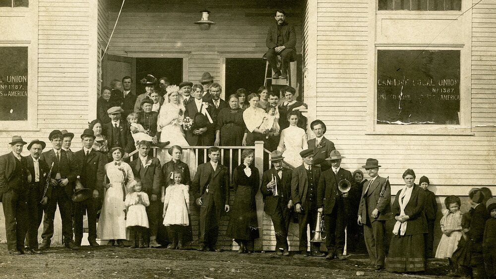 Wedding party circa 1920's-2.jpg