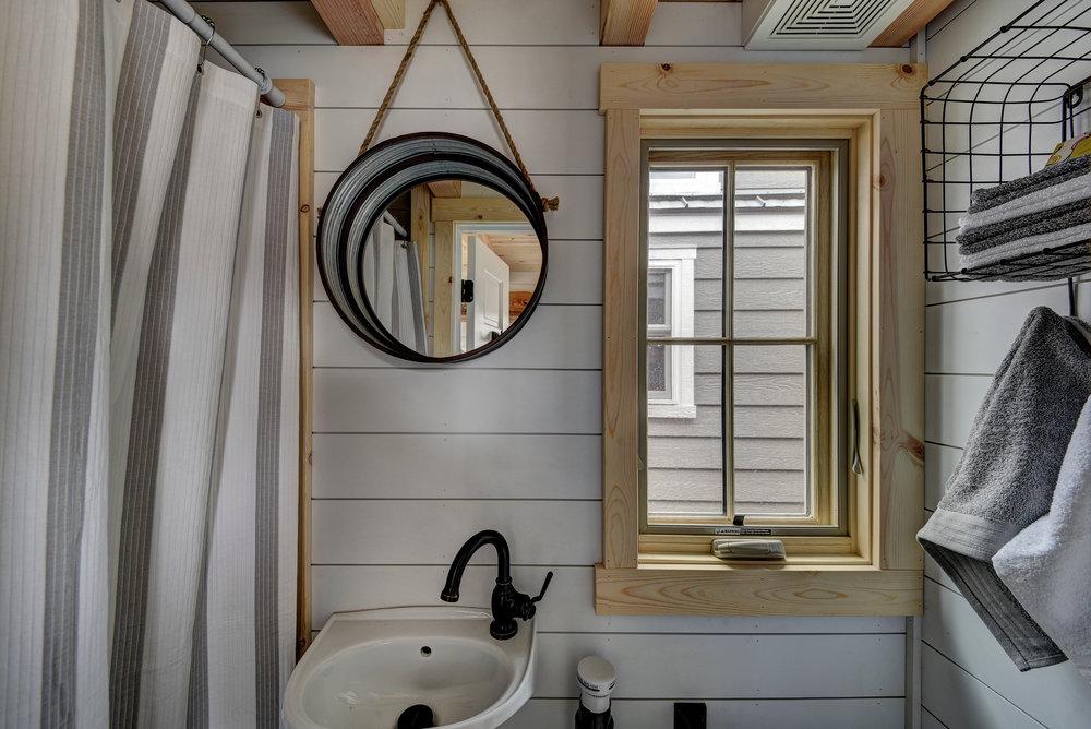 Elm_bathroom_loft.jpg