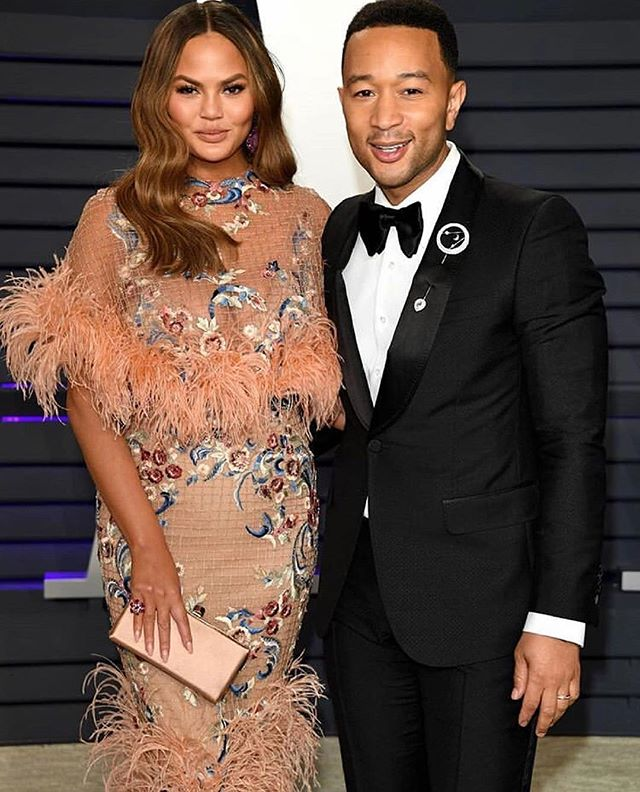 The theme of this year's Oscars... Beautiful couples ❤️ #oscars2019 #fashion #love #awards #redcarpet #couples #losangeles