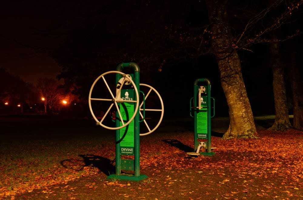 Exercise machine in Queens Park