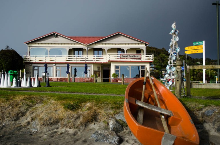 04-iconic-south-sea-hotel-stewart-island-as-a-squalapproaches.jpg