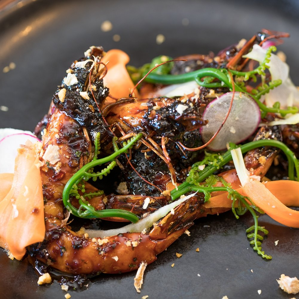 Roy's Hawaii_Caramelized Garlic Kauai Shrimp-Lemongrass Sweet Chili Sauce, Hana Pohole Fern, Pickled Shaved Baby Carrots, Kula Fennel Fried Garlic__pc Craig Bixel_20170104-01.jpg