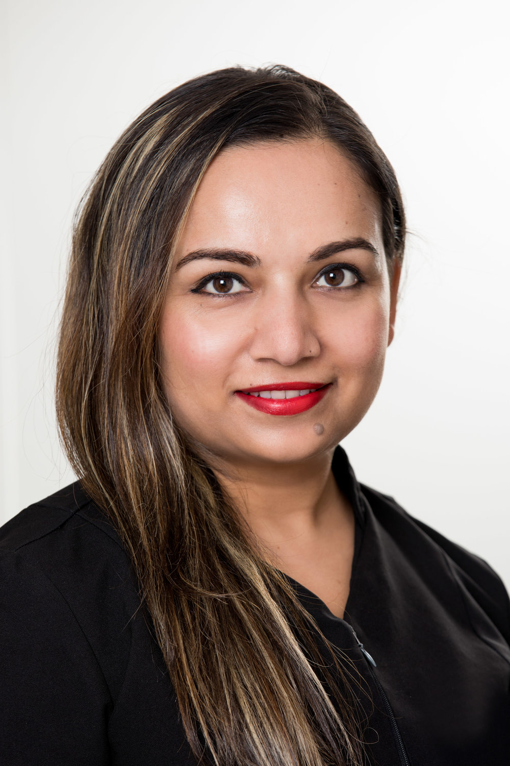 SAMJHANA - Senior AestheticianI graduated in 2004 at the prestigious Joyce Blok beauty therapy school and began my career at a top end salon in Manukau. After five years working and gaining experience, I moved to Australia and further developed my knowledge of beauty etiquette and advanced skin treatment. I spent seven years polishing my skills and then returned home to New Zealand and started working with a specialist laser clinic. Though I enjoyed the work, I realised my passion truly lies in the therapeutic side of beauty. Here I am now at Bloom, looking forward to helping our clients achieve their beauty goals. So whether it's a simple brow shape or an advanced treatment, trust that you will be in very safe, knowledgeable and caring hands.