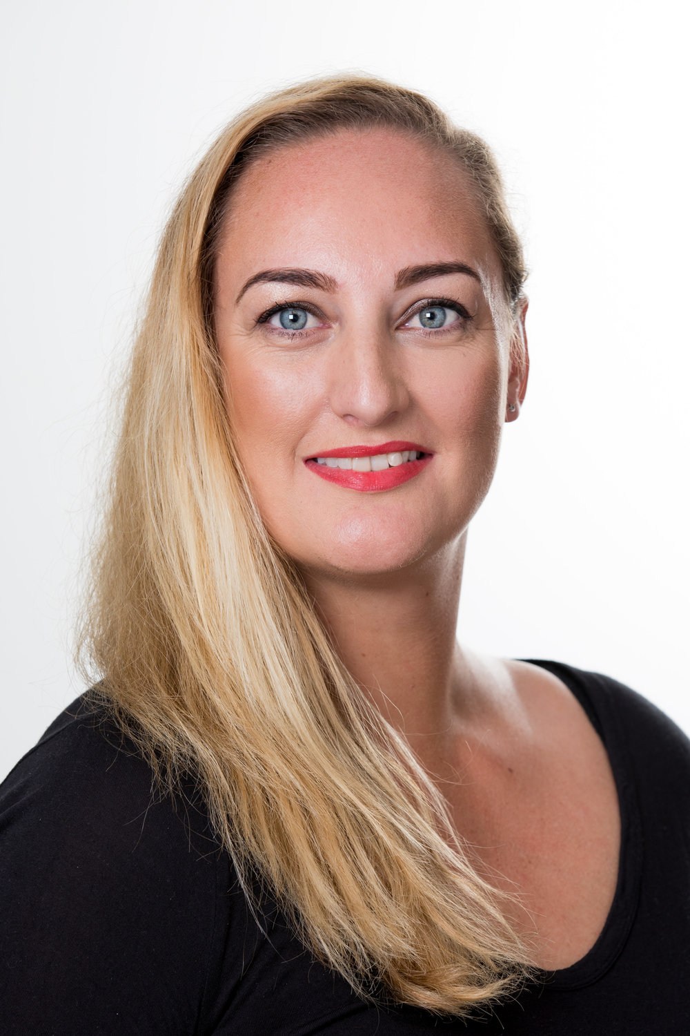 RACHELLE - Receptionist/2ICI trained as a beauty therapist in 1997, and worked as a facialist and massage therapist on board the Star Princess. From there I went on to work in Pharmacy where I held numerous roles including management. Over the past twenty-five years my experience in the beauty industry has been wide spread and I have loved every moment of it.  I have two beautiful children who keep me on my toes and are the light of my life. My success in the beauty industry is largely due to my passion for skin and makeup. I love people and making sure they are well looked after and will endeavour to make your experience at Bloom fantastic.