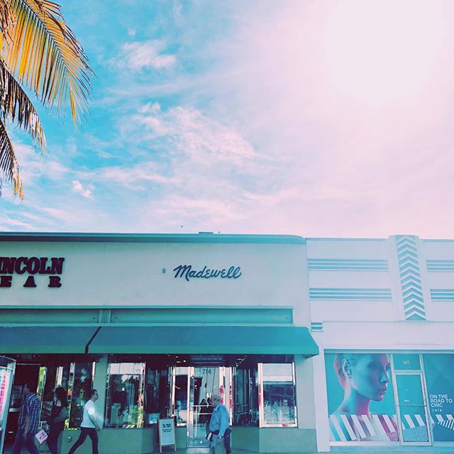 We're out here at Madewell on Lincoln Road from 2-5! Come visit us, for your last minute shopping gifts!