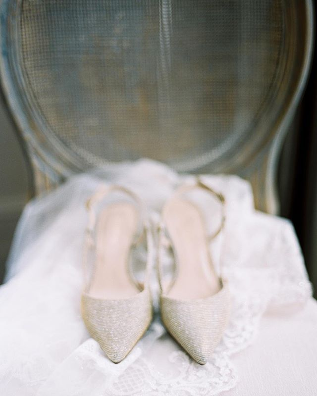 Delicate shimmering heels ✨ . . . . .  #weddingphotographer #weddingphotographers #featuremeoncewed #stylemepretty #fineartphotographer #weddinginspo #engagementphotographer #soloverly #fineartweddingphotographer #destinationweddingphotographer  #torontoweddingphotographer #torontoweddingphotography #chicagoweddingphotographer #chicagoweddingphotography #fineartphotography #weddinginspiration #mamiya645 #ishootfilm #filmphotography  #fineartwedding #smpweddings  #canadianweddingphotographer #ontarioweddingphotographer #filmshooter #graydonhallmanor #graydomhallmanorphotographer #mamiya #graydonhallmanor #portra400 #kodakportra via @preview.app