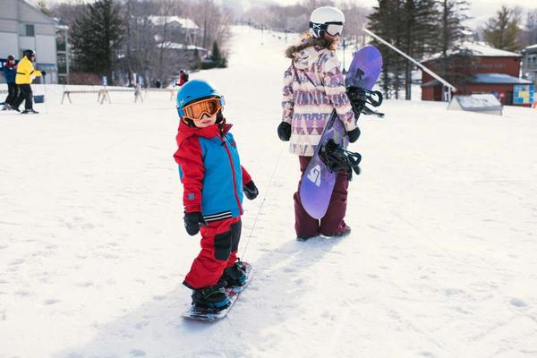 Burton-kid-snowboarding.jpg