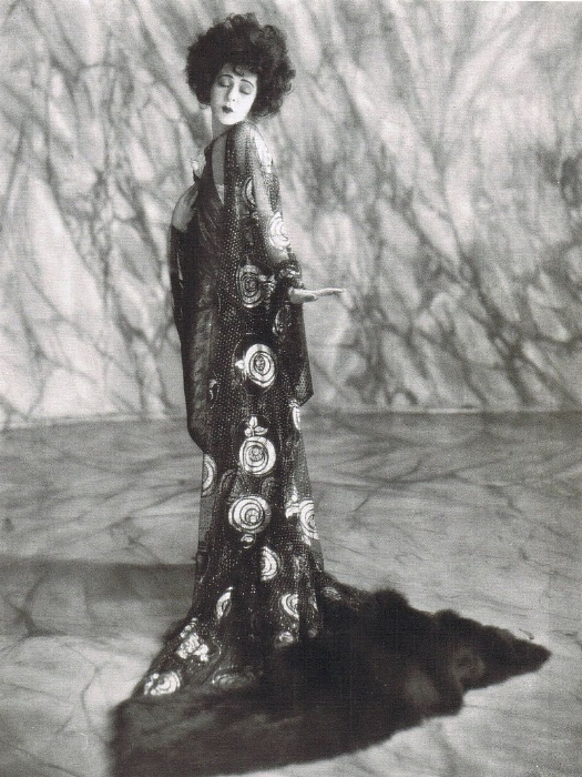 Alla Nazimova photographed by Arthur Rice as 'Marguerite Gautier' in  Camille.