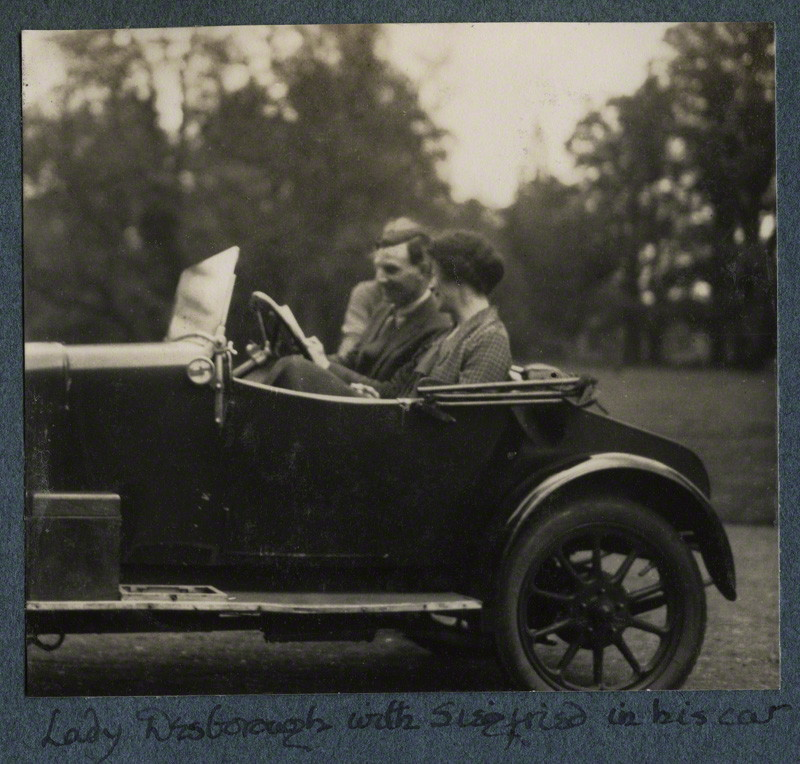 Siegfried Sasson and Ethel Fane (Lady Desborough) in his car, January 2, 1926.