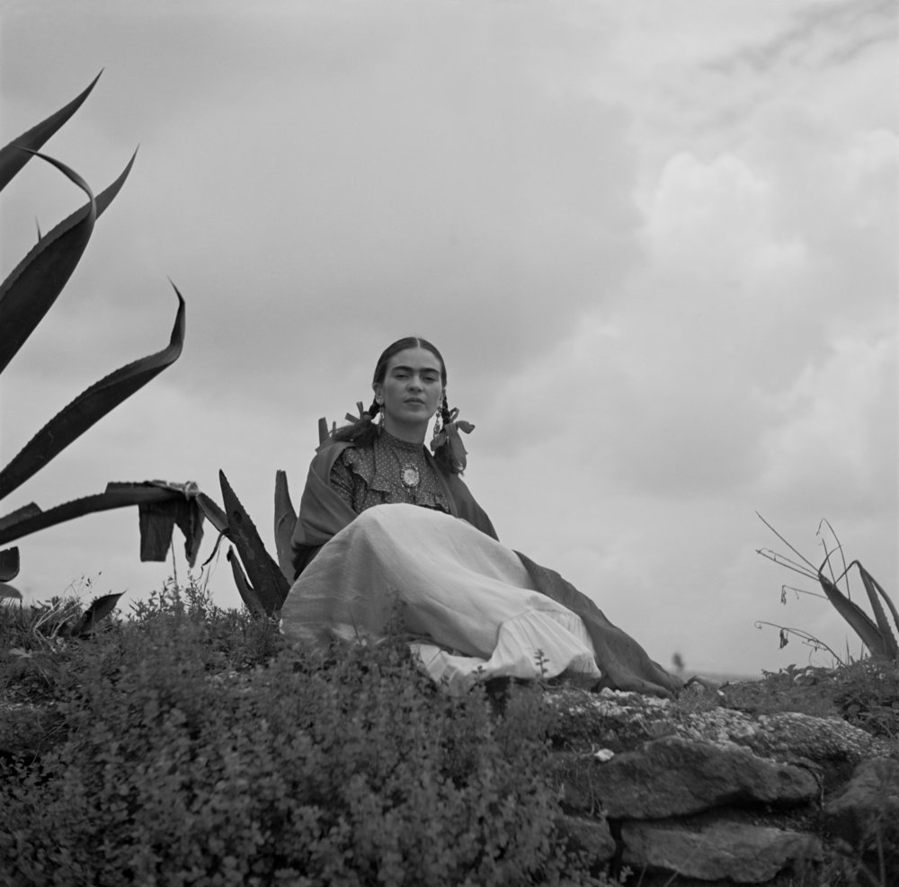 A photo from Toni Frissell's vogue shoot of Frida, 1937.