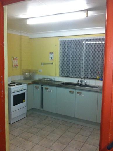 den_kitchen.jpg