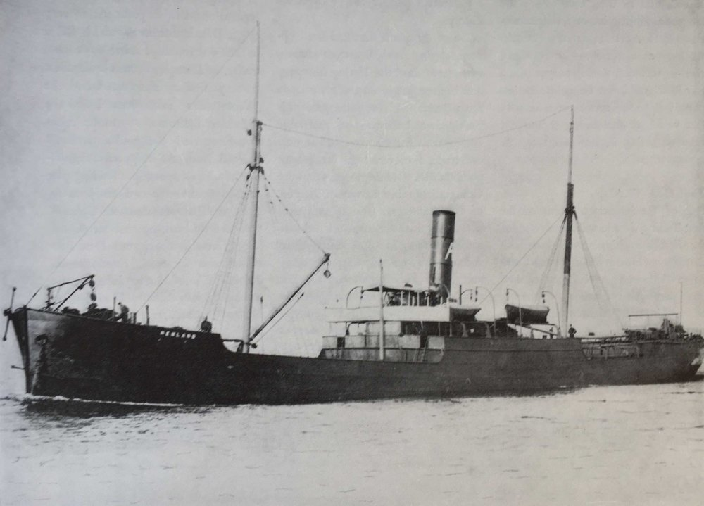 Atlanten - Med fartyget Hemland gör Broströms år 1898 sin första resa över Atlanten. Två år senare – 1900, är Broströms Sveriges största rederi med 20 fartyg om 28 000 tdw.1905 avlider Axel och sonen Dan tar över verksamheten.