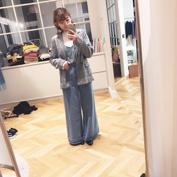 ONI STYLE簡約格紋西裝外套 + MIT捲邊上一兩件套組 + #PS901雜誌感口袋裝飾落地牛仔褲 + 韓國質感不規則圓框照型眼鏡