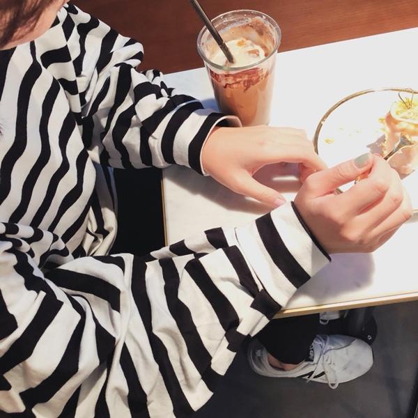 PAZZO-MIT自在休閒感條紋澎澎袖上衣
