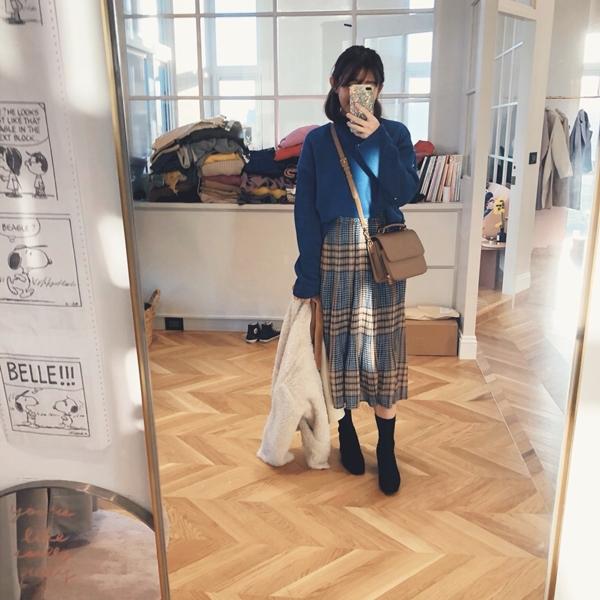 PAZZO-MIT溫暖內刷毛立領混色T-壓褶格紋配色長裙