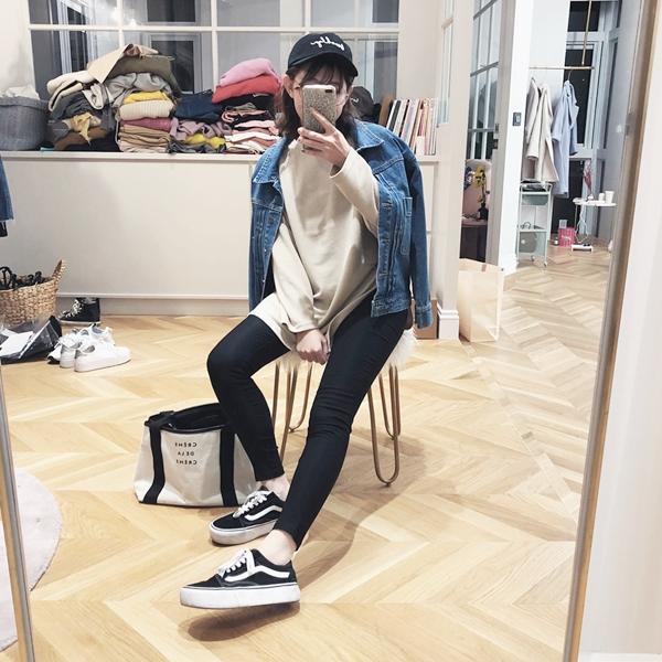 MIT#BK102高腰經典顯瘦貼身九分黑褲(內刷毛) + STREET LOOK 牛仔外套 + 韓國學院風黑框眼鏡