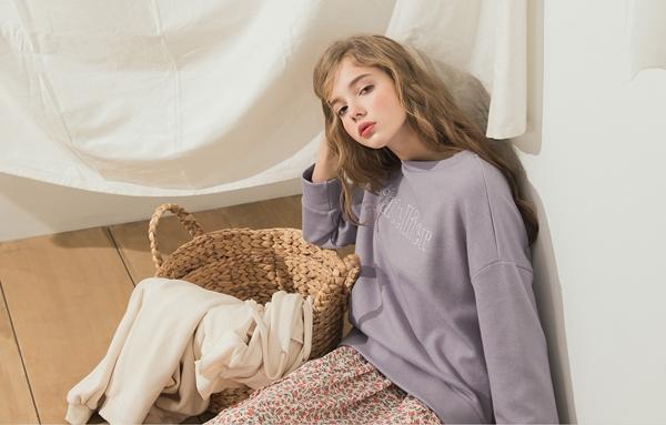 PAZZO甜點女孩特殊棉質刺繡大學T